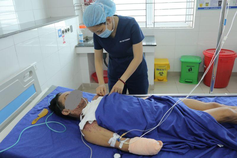 Cứu sống bệnh nhân đa chấn thương do nổ mìn