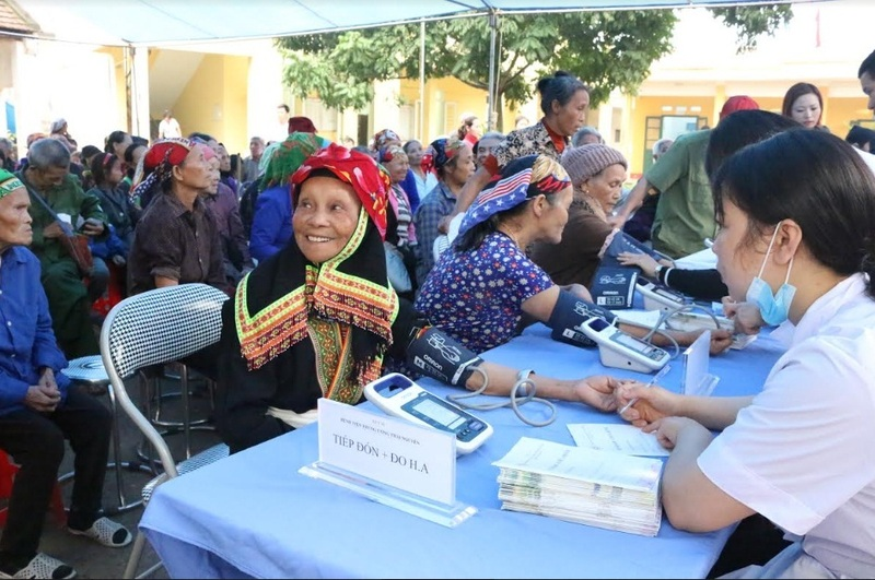 Chăm sóc sức khỏe cộng đồng vì hạnh phúc nhân dân