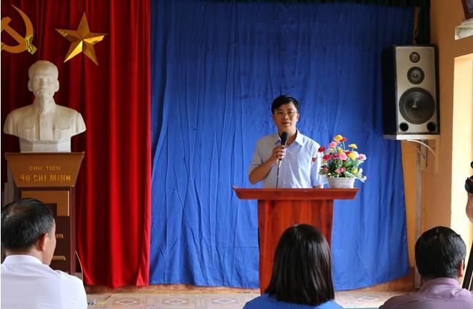 """Đoàn thanh niên Bệnh viện Trung ương Thái Nguyên bàn giao  """"Tuyến đường thắp sáng làng quê"""""""