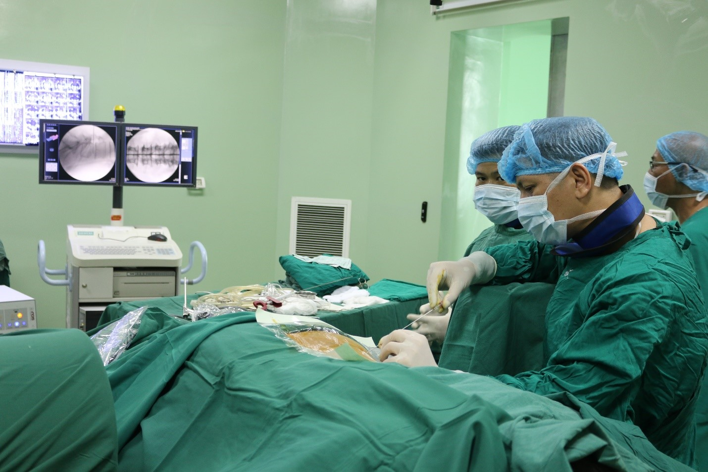Phẫu thuật nội soi thoát vị đĩa đệm - Phương pháp hiệu quả cao