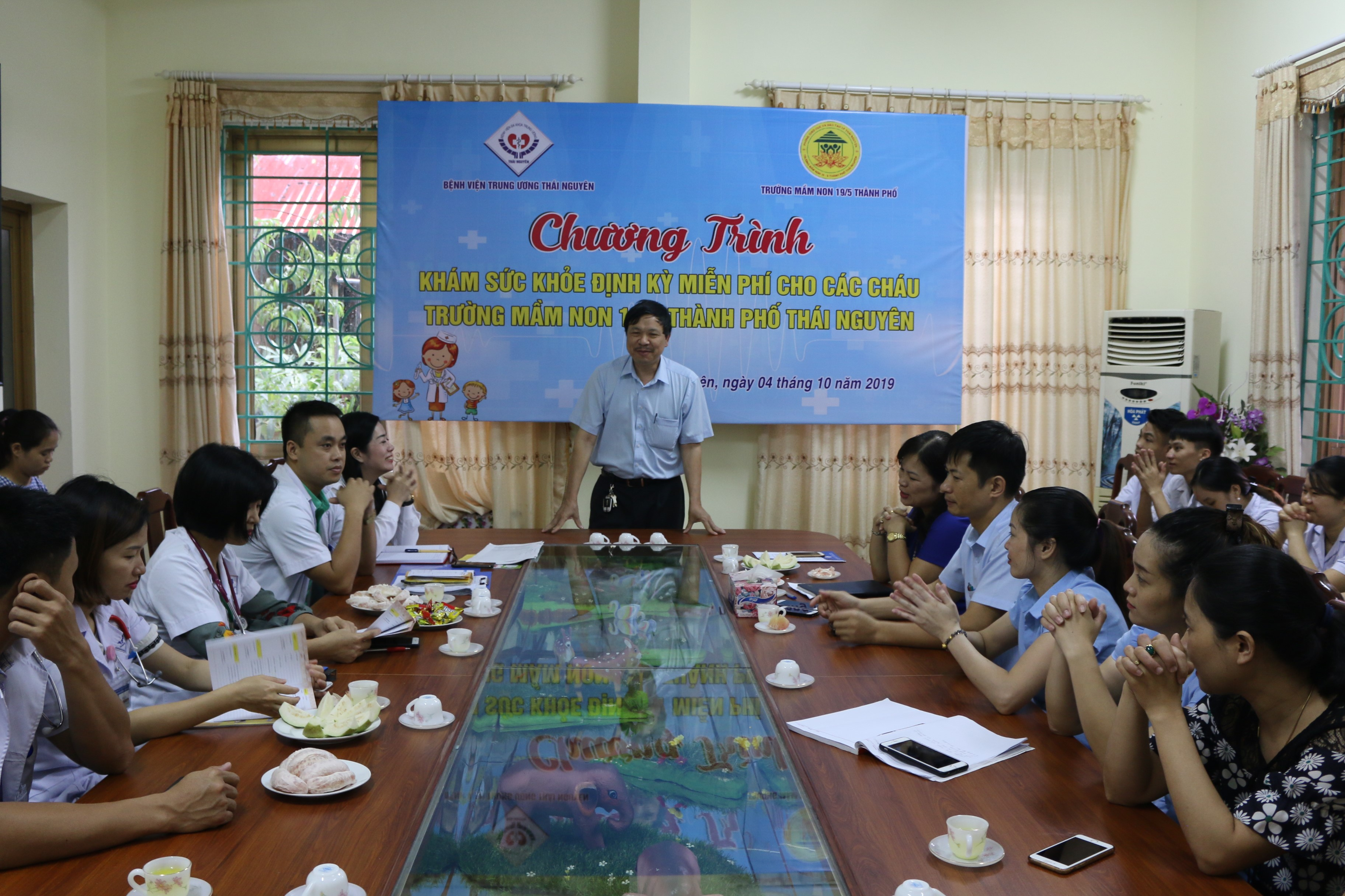 Khám sức khỏe định kỳ miễn phí cho học sinh trường mầm non 19/5, thành phố Thái Nguyên