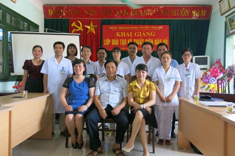 """Chuyển giao kỹ thuật """"Kỹ thuật Ghi và đọc điện não cơ bản"""" cho Bệnh viện Đa khoa huyện Tân Lạc tỉnh Hoà Bình"""