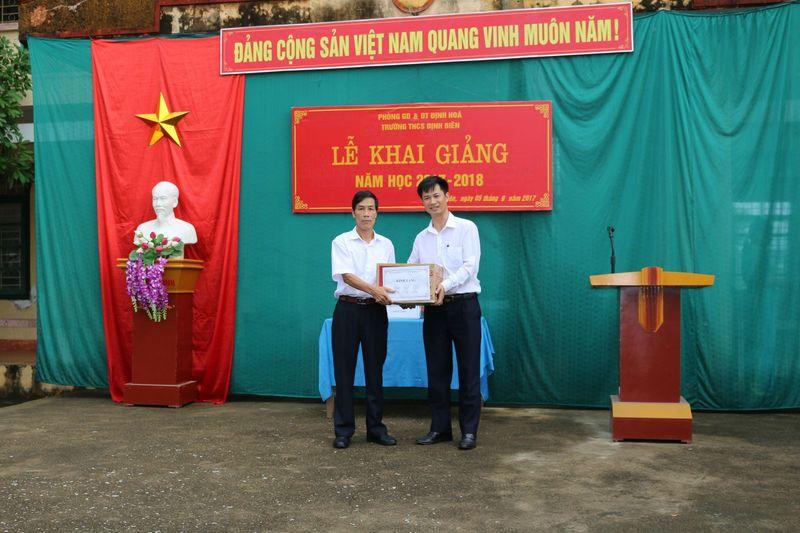Tuổi trẻ Bệnh viện Trung ương Thái Nguyên chung sức hướng về cộng đồng vùng lũ lụt Định Hóa, Thái Nguyên