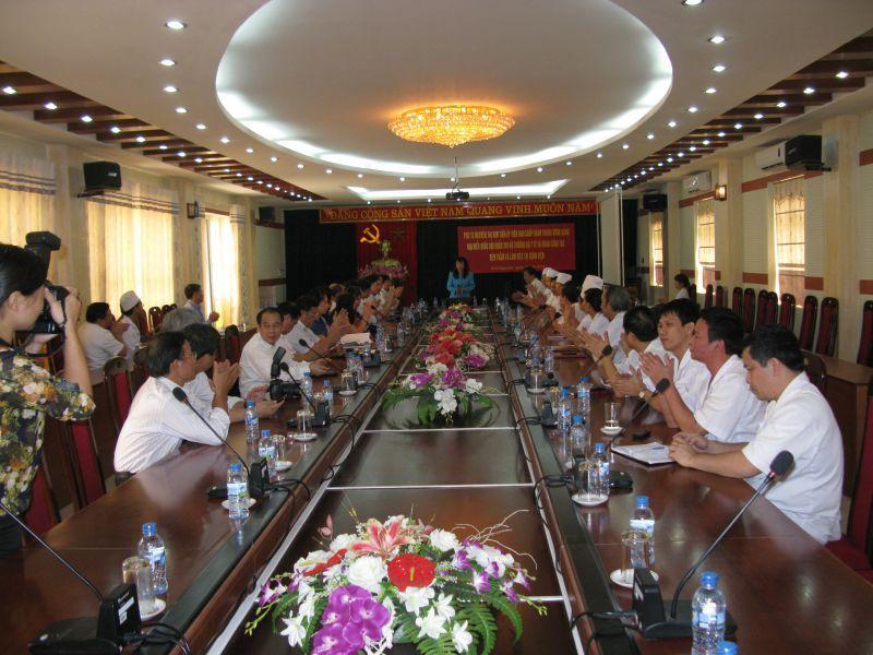 Bộ Trưởng Bộ Y tế đến thăm và làm việc với Bệnh viện đa khoa Trung ương Thái Nguyên