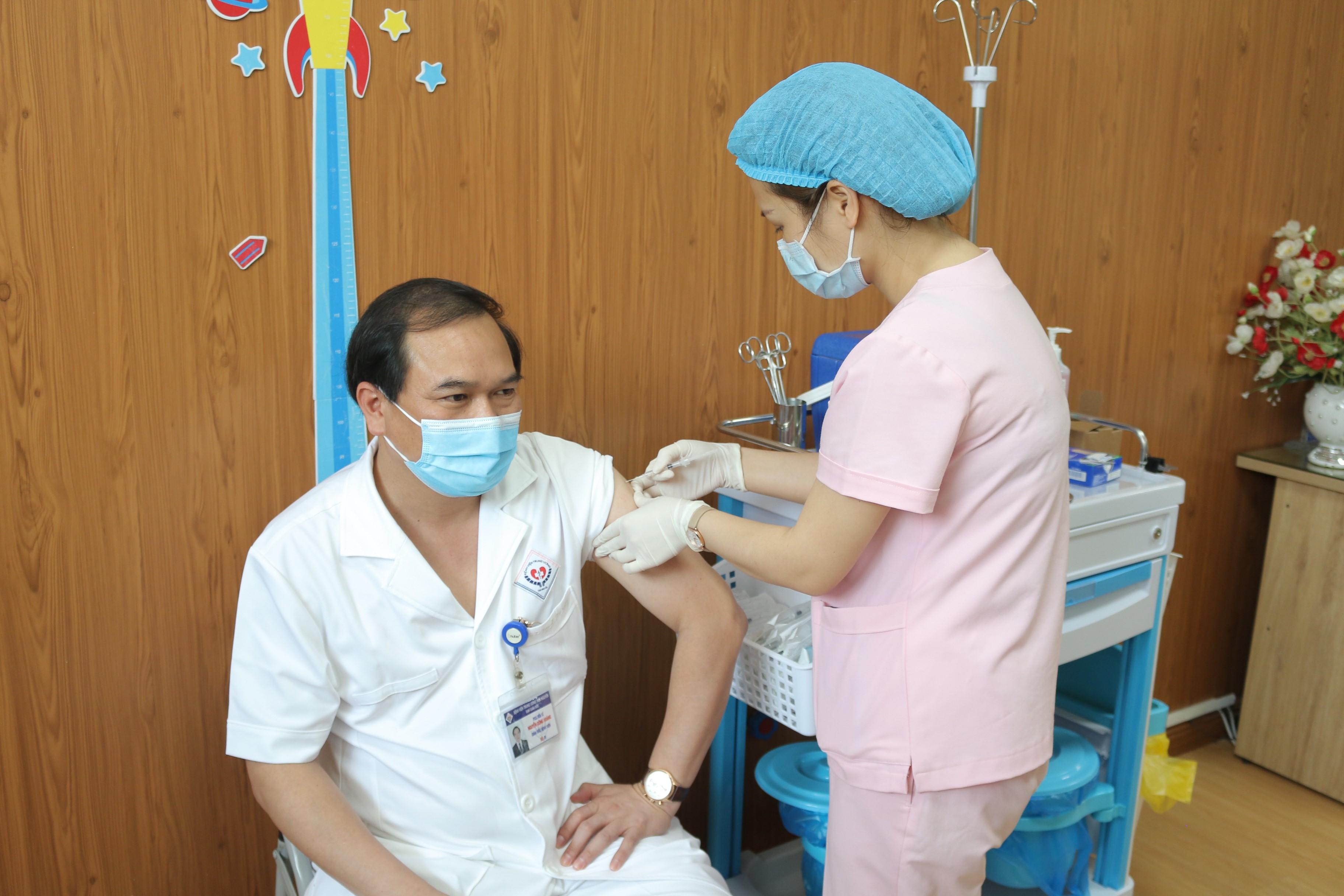 Bệnh viện Trung ương Thái Nguyên: Đơn vị đầu tiên của tỉnh Thái Nguyên tổ chức tiêm Vắc xin